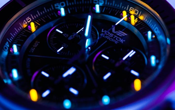 Tritium illumination